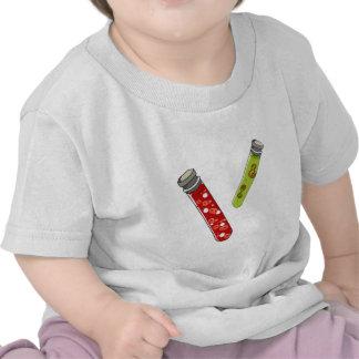 sangre médica y virus testtubes. camisetas