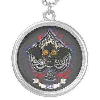 sanguin ace round pendant necklace