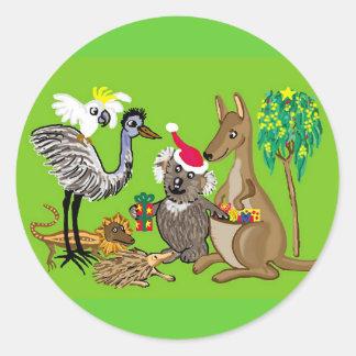 Santa agarra la koala pegatina redonda
