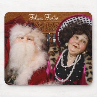 Santa and his girlfriend, Felices Fiestas Mouse Pad