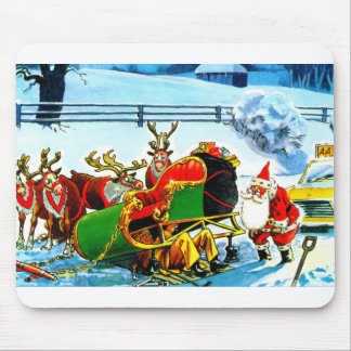 SANTA AND HIS REINDEER HELPED BY THE AA MOUSE PAD