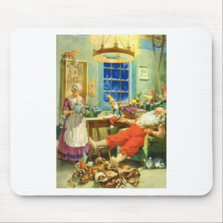 Santa Claus Returns to the North Pole Mousepads