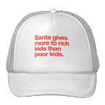Santa da más a los niños ricos que niños pobres gorro de camionero