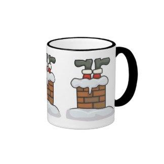santa divertido pegado en chimenea taza