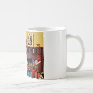 Santa en casa - Pekingese (r) - Santa Taza Básica Blanca