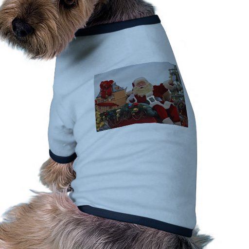 Santa en un trineo camiseta con mangas para perro