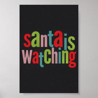 Santa está mirando la pizarra colorida póster