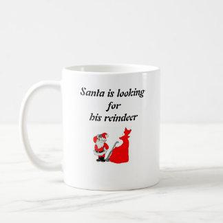 Santa está mirando taza