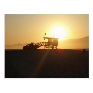 Santa Mónica en la puesta del sol Tarjeta Postal
