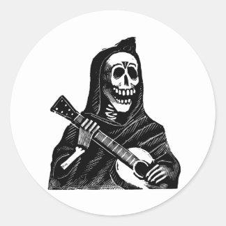 Santa Muerte con la guitarra circa 1900s tempranos Pegatina Redonda