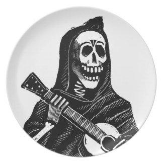 Santa Muerte (parca mexicano) que toca la guitarra Platos