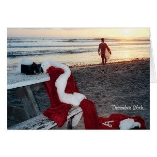 Santa practica surf el día después del navidad tarjeta de felicitación