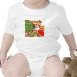 Santa presenta a niños la camiseta