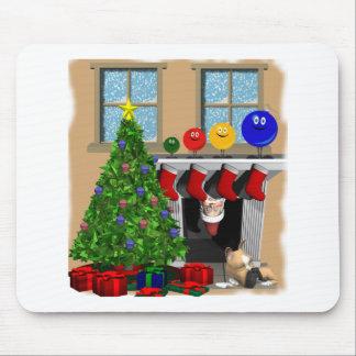 Santa que mira a escondidas con el ordiment 4 en l tapetes de ratón