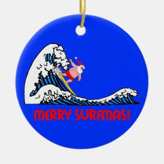 Santa que practica surf adorno navideño redondo de cerámica