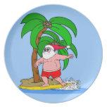 Santa que practica surf plato para fiesta
