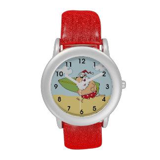 Santa que practica surf relojes de mano