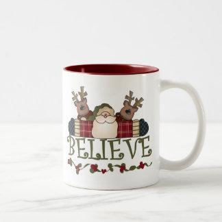 Santa y el reno creen taza de café