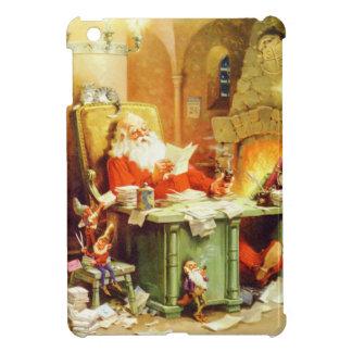 Santa y la señora Claus y los duendes comprueban s