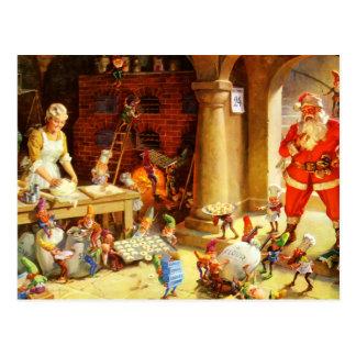 Santa y la señora Claus y los duendes cuecen las Postal