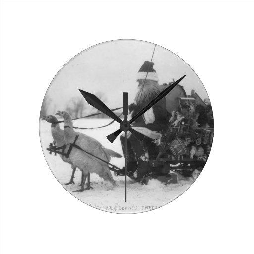 Santa y su reno de Turquía Relojes De Pared