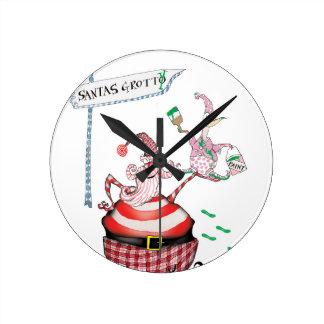 santas grotty round clock