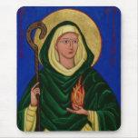 Santo Brigid con el fuego santo Tapetes De Raton