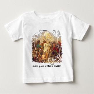 Santo Juana de Arco en camisa del bebé de la