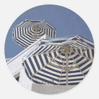 Santorini – Umbrellas Classic Round Sticker