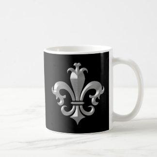 Santos biselados de plata de lujo de la flor de li taza de café
