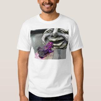 Sapo que se besa púrpura camisas