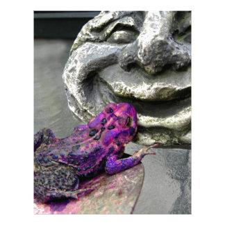 Sapo que se besa púrpura membretes personalizados