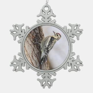 Sapsucker Amarillo-hinchado Adorno De Peltre En Forma De Copo De Nieve