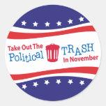 Saque la basura política en Novemer Etiquetas Redondas
