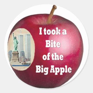 Saqué una mordedura de Apple grande; por Rossouw Pegatina Redonda