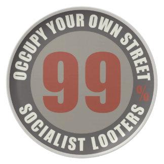 Saqueadores del socialista del noventa y nueve por plato de cena