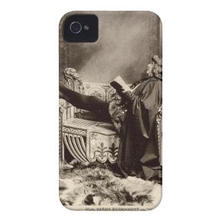 Sarah Bernhardt (1844-1923) como Hamlet en el 1899 iPhone 4 Protector