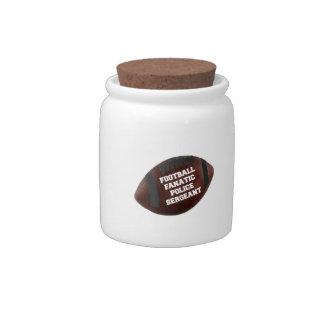 Sargento de policía fanático del fútbol jarra para caramelo