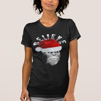 Sasquatch Santa cree la camisa