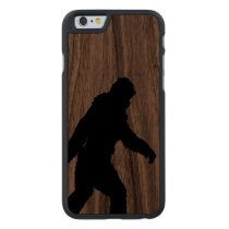 Sasquatch Silhouette on Carbon Fiber decor Carved Walnut iPhone 6 Case