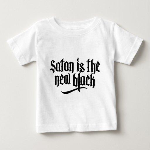 Satan es el nuevo negro No.2 (el negro) Polera