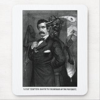 Satan que tienta a John Wilkes Booth Tapete De Raton