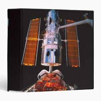 """Satélite atracado en transbordador espacial carpeta 1 1/2"""""""