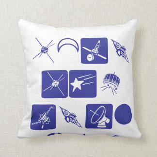 Satélite del espacio almohada
