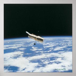 Satélite en la órbita 2 posters