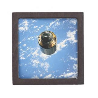 Satélite en la órbita 4 cajas de joyas de calidad