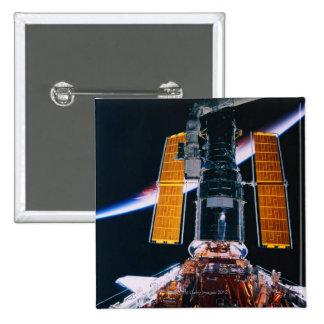 Satélite que lanza de transbordador espacial pin cuadrado
