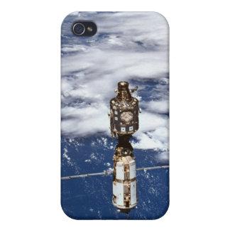 Satellite Orbiting Earth 4 iPhone 4 Cover