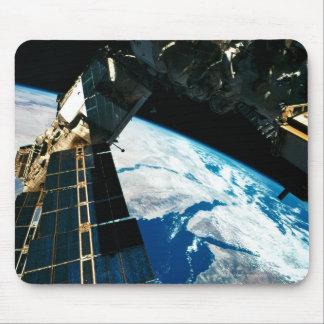 Satellite Orbiting Earth 5 Mousepad