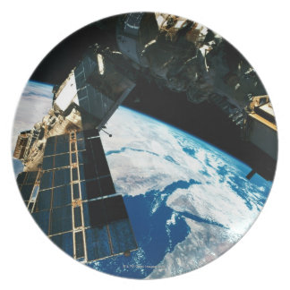 Satellite Orbiting Earth 5 Party Plate